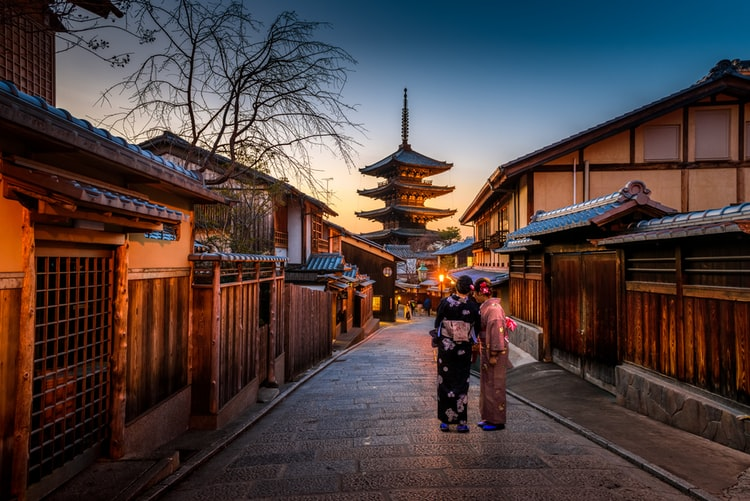 【雑記】海外で日本人の女性は可愛い&モテるって本当!?『モテる』の真の意味とその理由とは・・・笑?