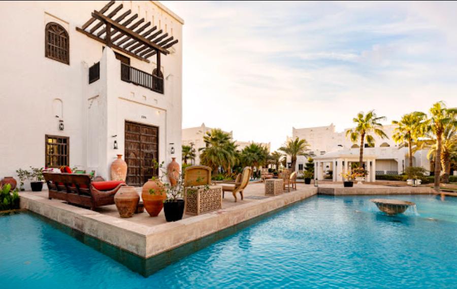 【カタール観光】ホテル「Sharq Village and Spa」 のビーチ&プールエリアが意外と綺麗だった&楽しかった件について